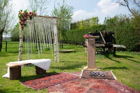 Boho ceremonie setting
