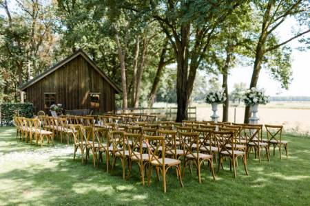 rustic chic bruiloft ceremonie styling