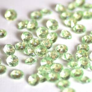 light-green-diamond-confetti